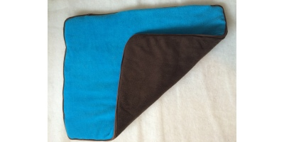 Underlägg i blå och svart