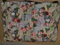 Största bädden med rosor och döskallar